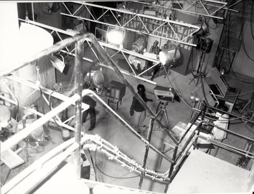 Un studio de Télé Niger équipé de trois caméras vidéo Thomson (vers 1968-1970) - photographie : Bernard Baissat